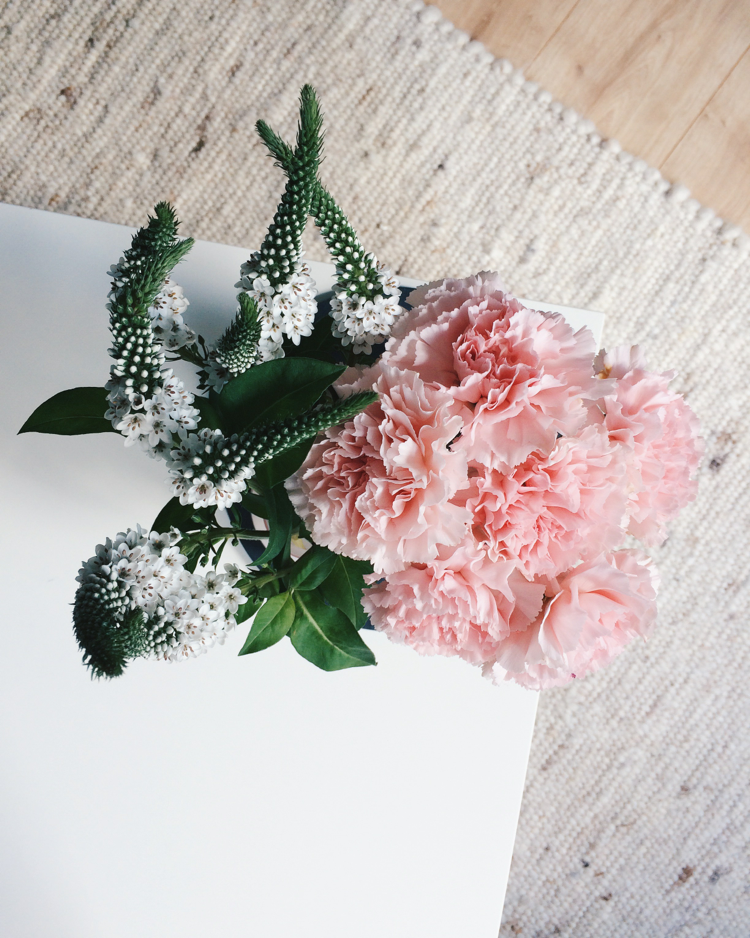 Blumen Flatlay Styling