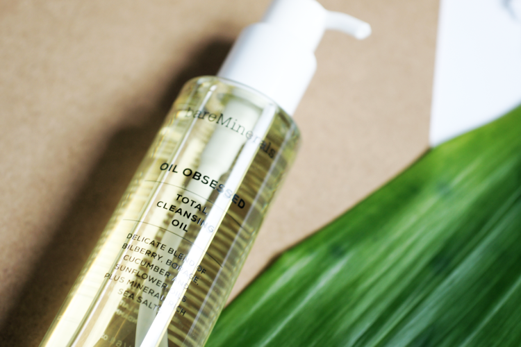 Total Cleansing Oil von bareMinerals