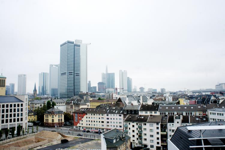 frankfurt-adina-hotel-skyline