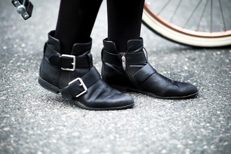 Boots mit Schnallen Streetstyle Fahrrad
