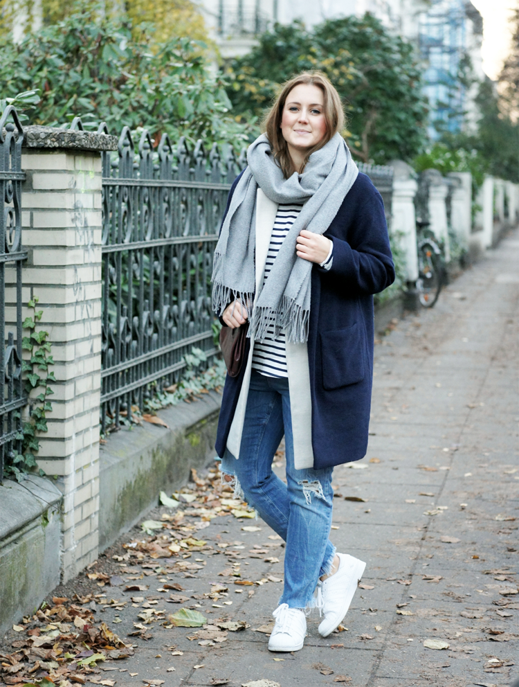 Outfit Fashionblogger navy coat