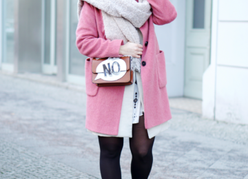 Outfit Streetstyle pink coat Fashionweek