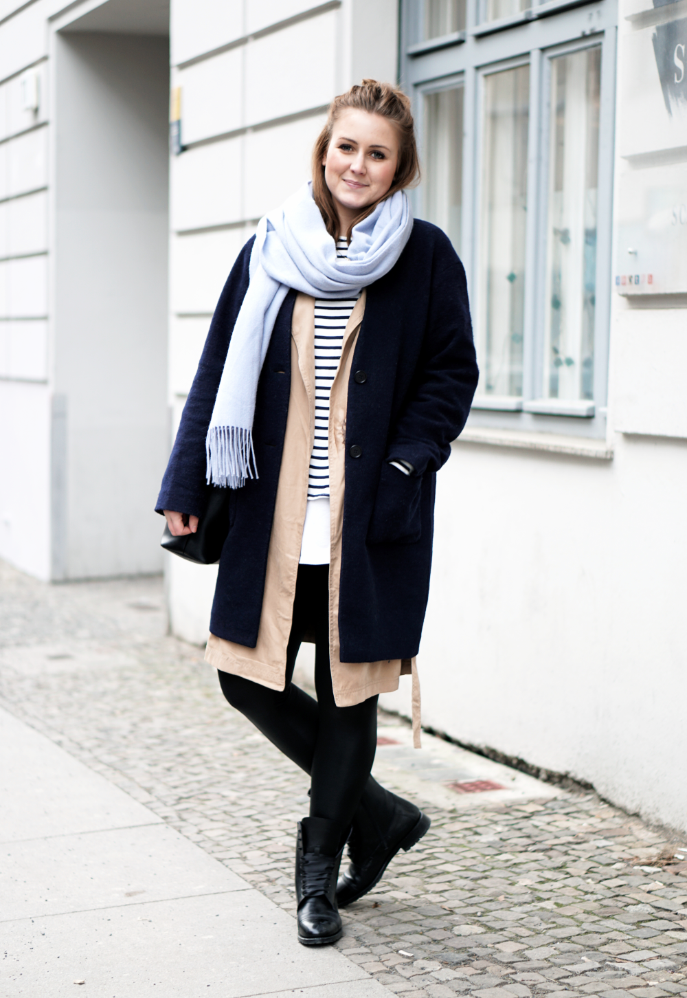 Fashion Week Berlin Streetstyle 2017 Navy Coat