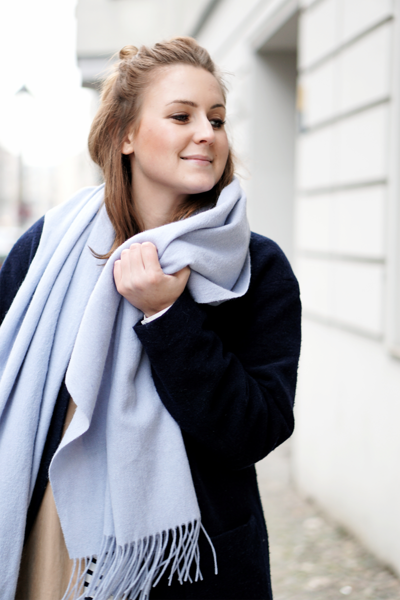 Streetstyle Fashion Week big scarf