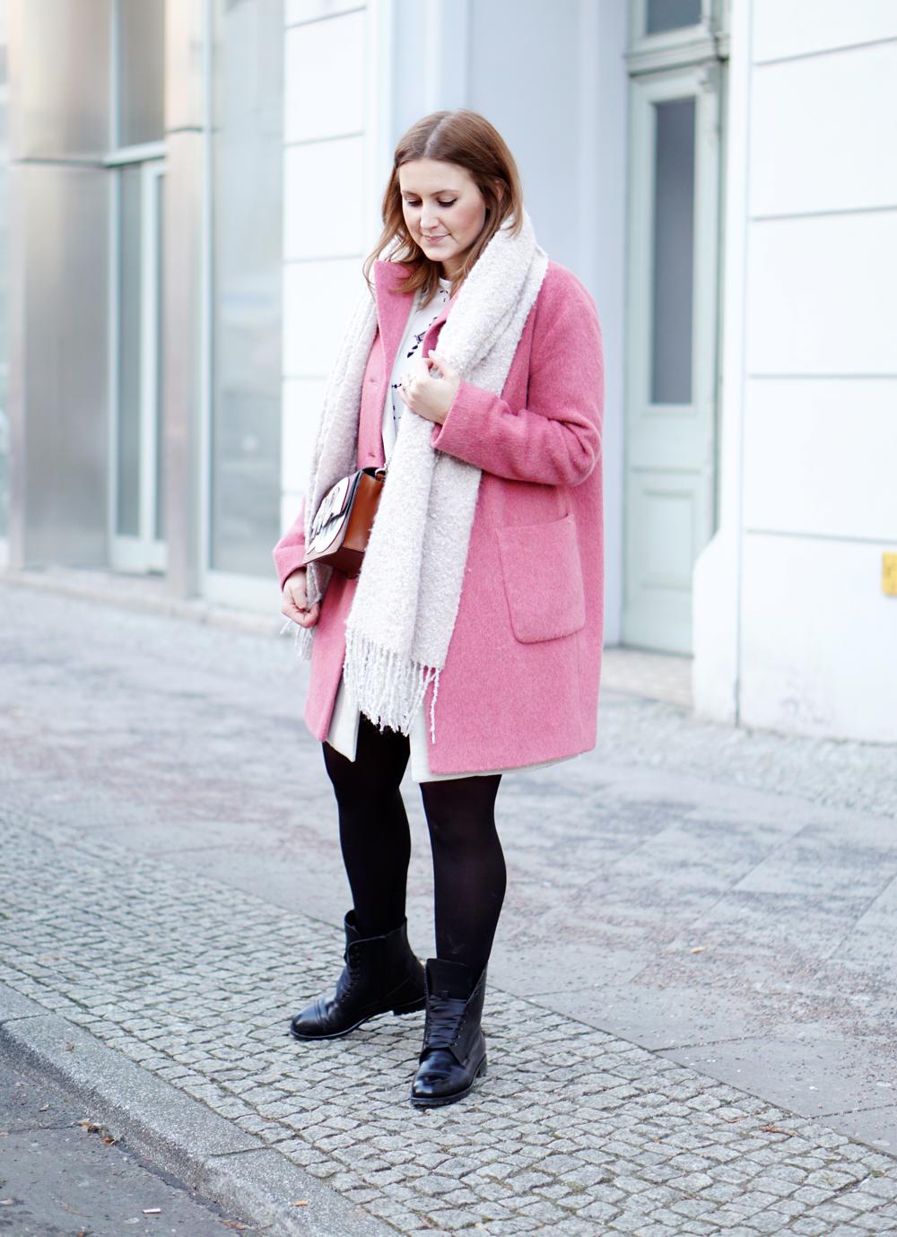 Streetstyle Fashionweek Berlin Mantel pink