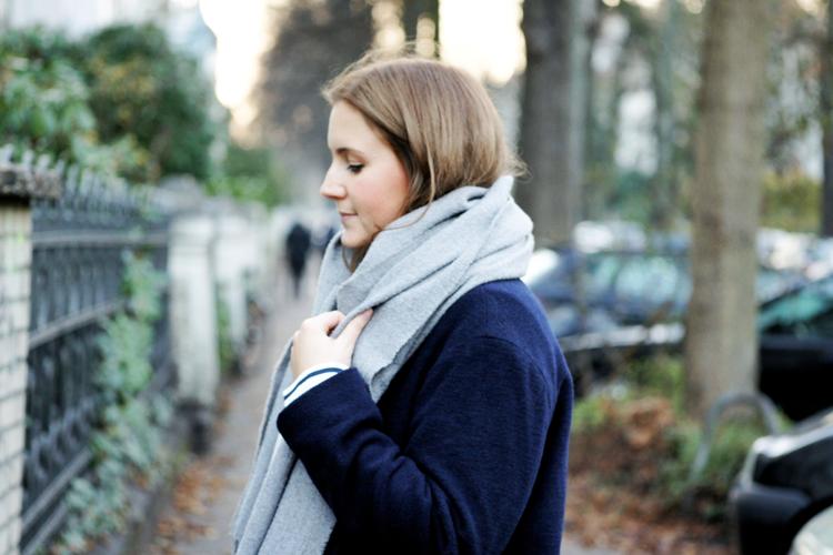 Streetstyle dunkelblauer Mantel Schal