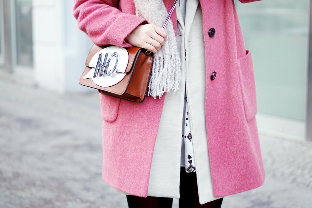 Streetstyle Pink Coat Bag Detail