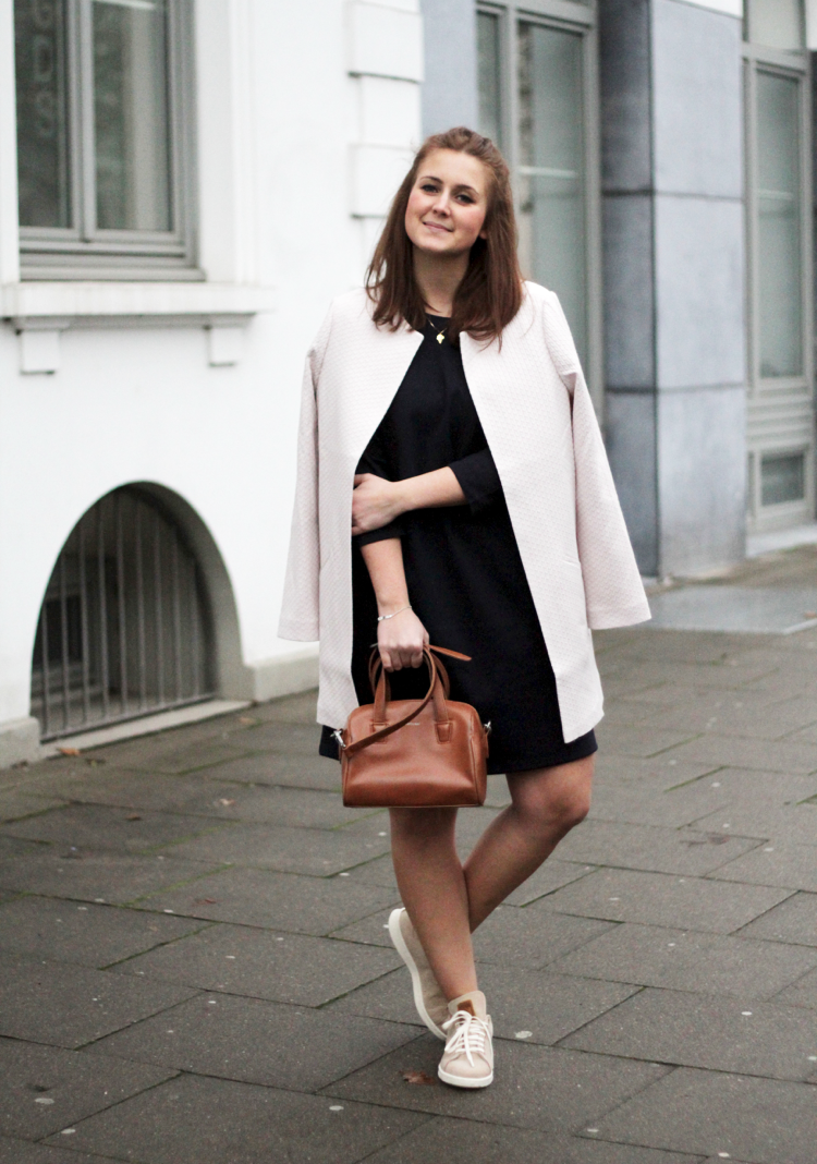 Ein Kleid zwei Styles Outfitinspiration