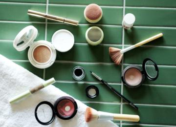 Everyday Make Up Blogger Pixi Yves Rocher