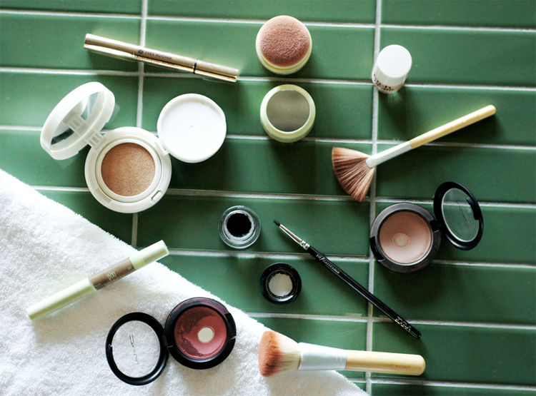 Everyday Make Up Blogger Pixi Yves Rocher