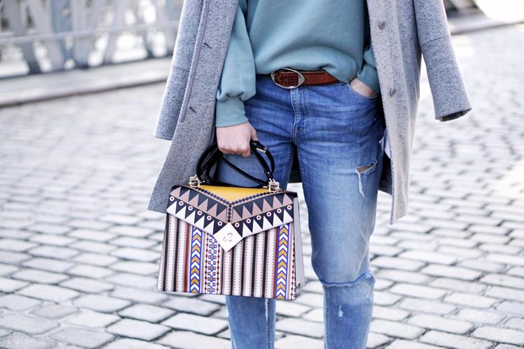 Outfit mit Destroyd Denim Tosca Blu Tasche