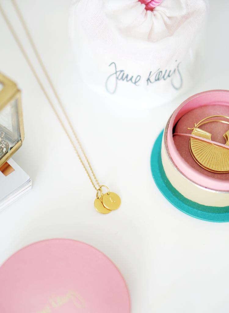 Goldkette mit Initialien Jane Kønig