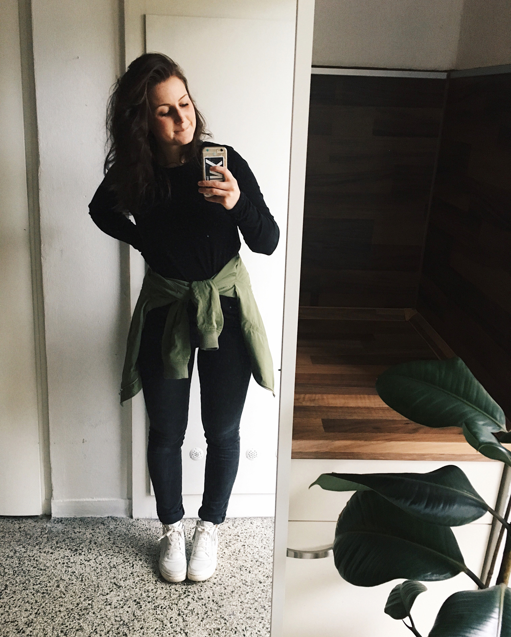 sportliches Outfit Alltag Instagram lalisoutfits