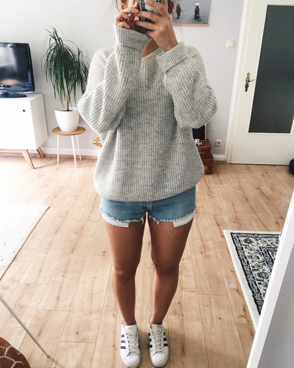 Outfit mit Jeansshorts
